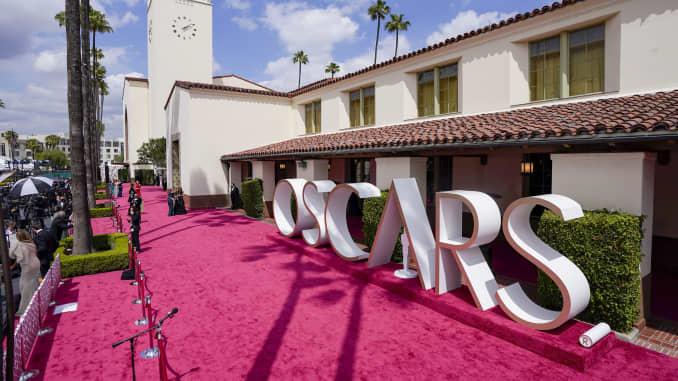 Oscars-2021-L.A.-Union-Station